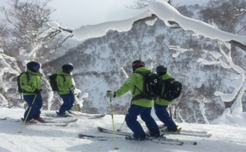 WARREN SMITH SKI ACADEMY JAPAN BEGINS