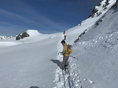 Touring happy academy coach off piste